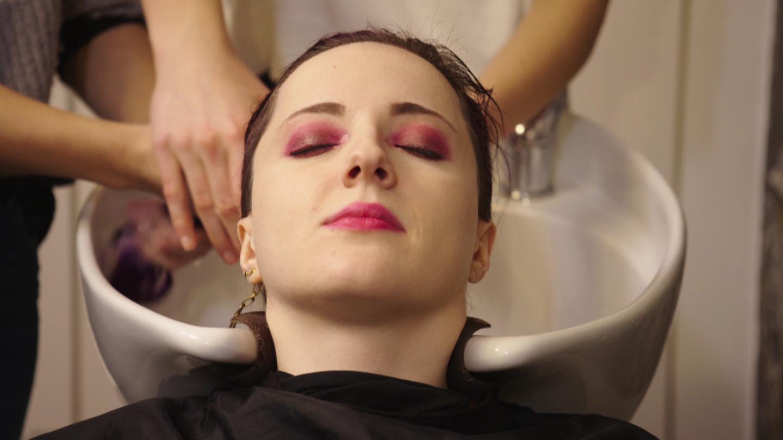 Styling-Tipp: Mit dieser Haarkur bekommen deine Haare Glanz (Foto: SWR)