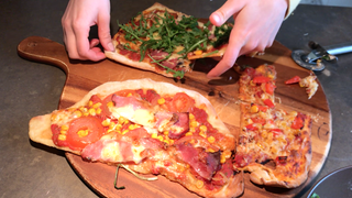 selbstgemachte Pizza (Foto: SWR)