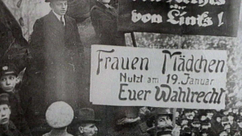 Demonstrationsplakat zum Frauenwahlrecht (Foto: SWR, Landesschau RP)